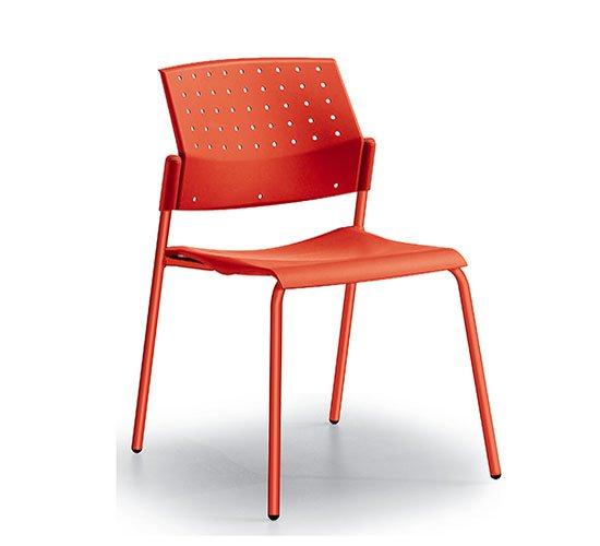 Silla base metal asiento y respaldo polipropileno modelo areta comedor industrial