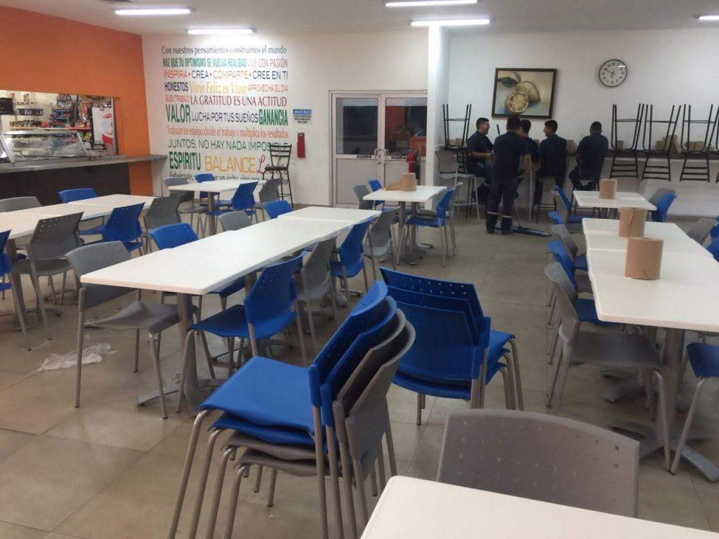 sillas y mesas para comedores industriales