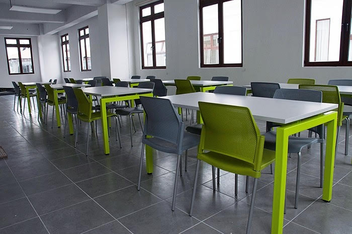 comedor industrial sillas replay