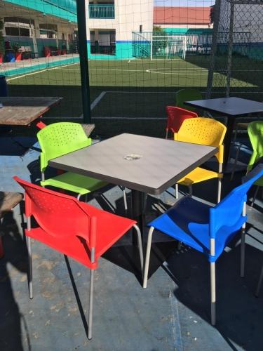 Sillas y mesas cafeterias y restaurantes monterrey