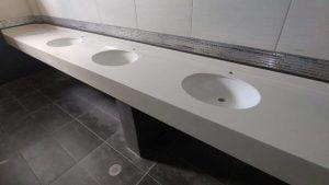 Cubierta de superficie solida corian lavabos para naves industriales y plazas comerciales blanco