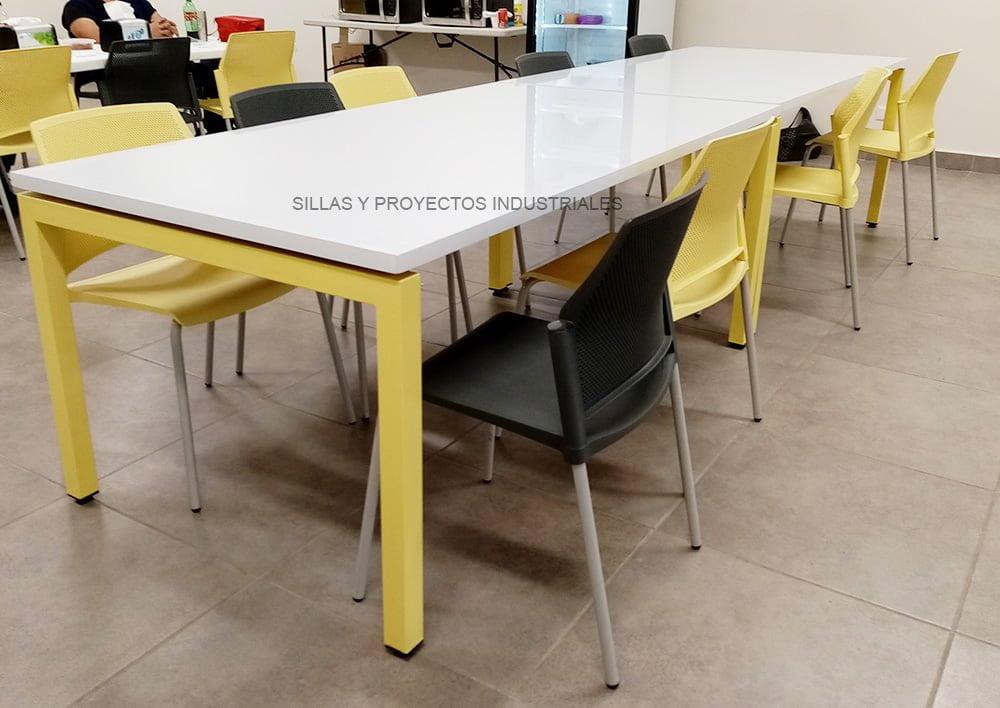 sillas y mesas amarillo para comedores industriales y cafeterias